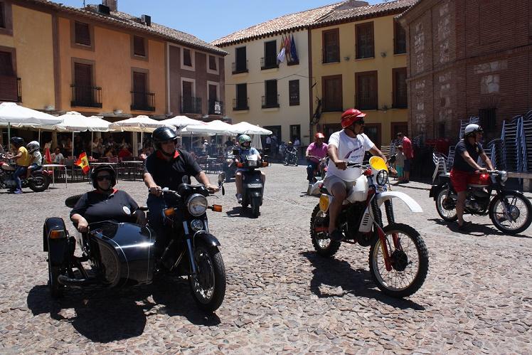 La XVI edición de Motos Clásicas congregó a 110 participantes en La Solana