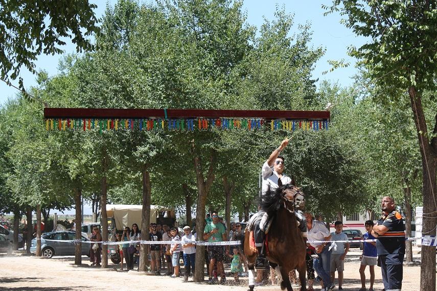 El pasacalle de los caballos volvió a dar vistosidad a la mañana de la feria solanera