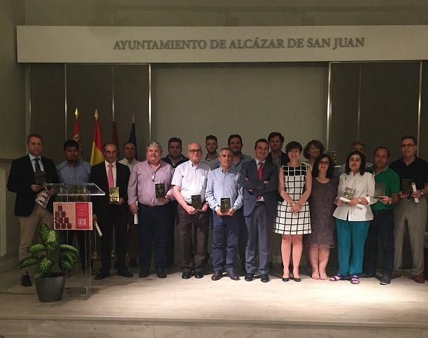 Las bodegas premiadas por sus vinos en el VII Concurso Regional 'Tierra del Quijote' recogieron sus galardones