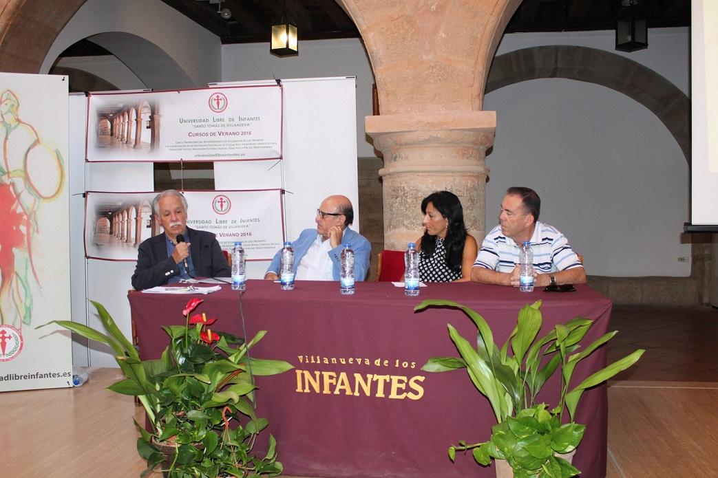 La unidad del Español protagoniza las conferencias y mesas redondas de la Universidad Libre de Infantes