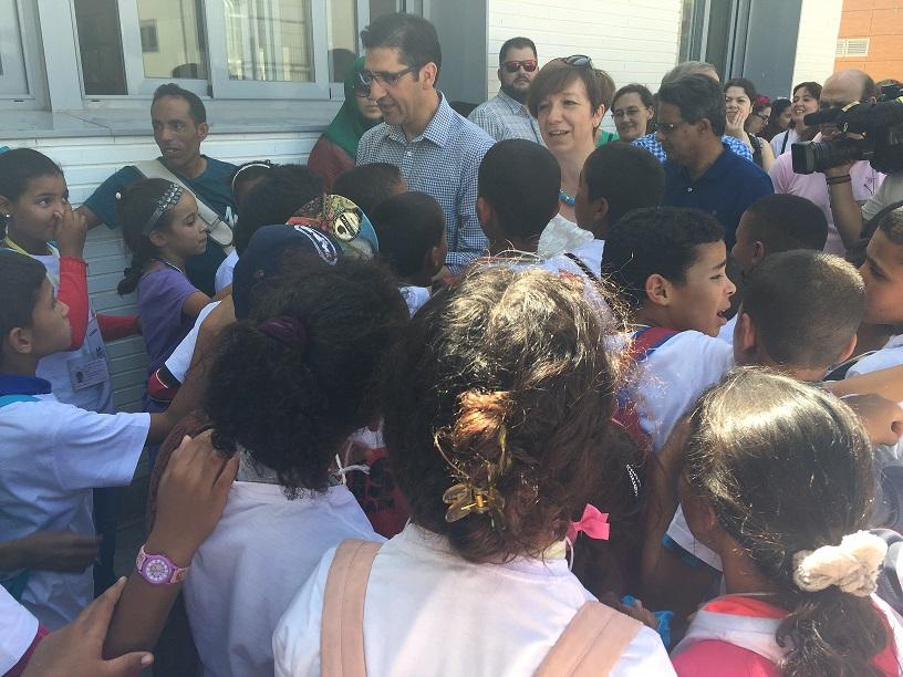 La alcaldesa y el presidente de la Diputación provincial recibieron a los cuatrocientos saharauis que serán acogidos por familias de toda la región