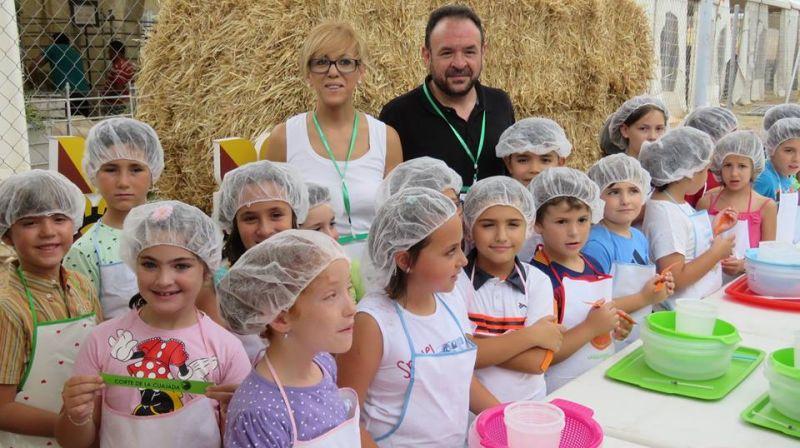 Taller de elaboración de queso artesanal con alumnado de la UP Manzanares