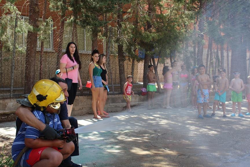 Refrescante visita al Parque de Bomberos de Villanueva de los Infantes