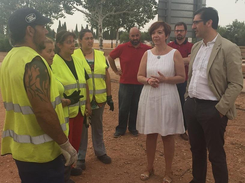 El presidente provincial visitó en Alcázar algunas de las obras y actuaciones que se están llevando a cabo con personal contratado a través del Plan Especial de Empleo