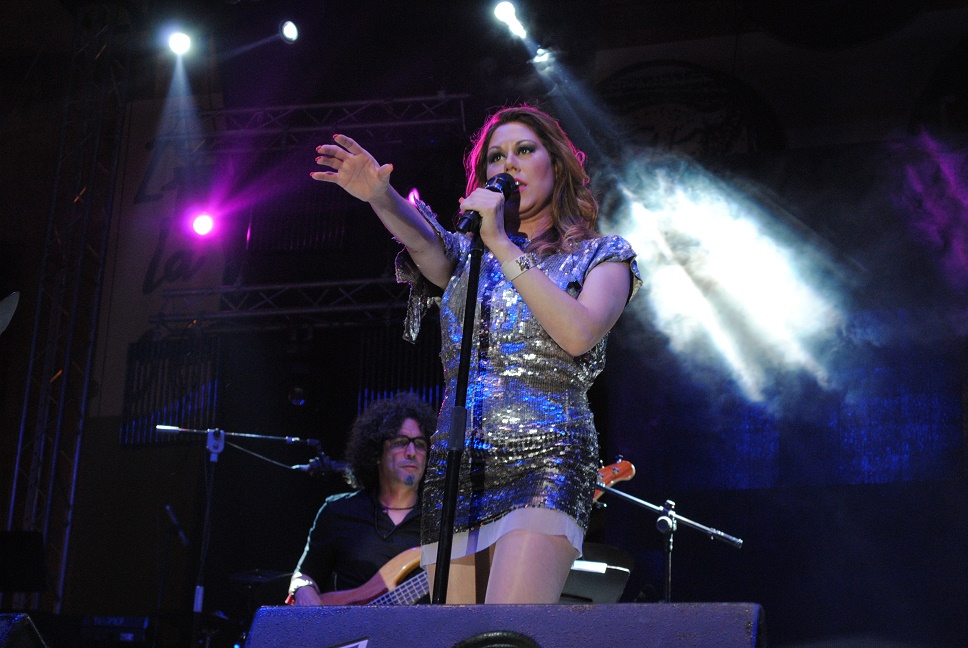 Tamara, la reina del bolero, deslumbró en las LXIII Fiestas del Vino de Valdepeñas