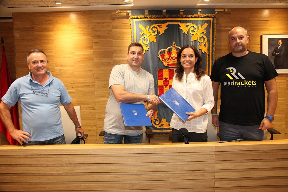 El Ayuntamiento de Getafe y la federación de peñas del Getafe C.F. inician un camino común de colaboración