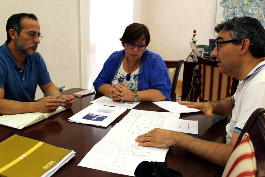 El Gobierno de Castilla-La Mancha traslada al alcalde de Poblete la prioridad de ampliar el CEIP 'La Alameda' en la presente legislatura