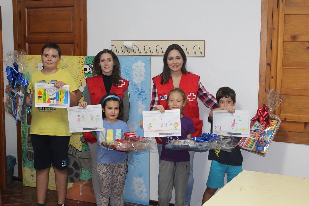 Cruz Roja hace entrega de los premios del concurso de dibujo del Taller de Verano sobre Interculturalidad impartido en Villanueva de los Infantes