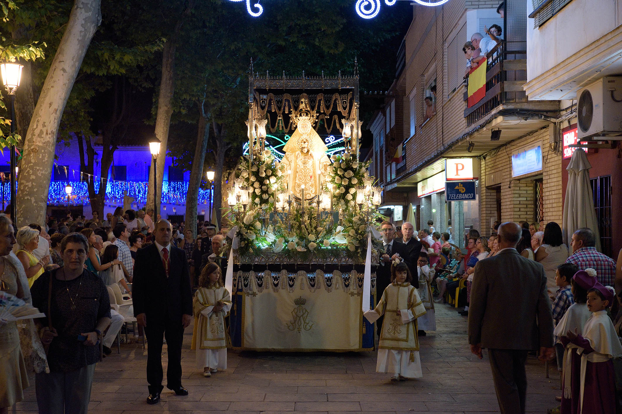 Folclore y religión se funden en el desfile procesional de la patrona de los argamasilleros