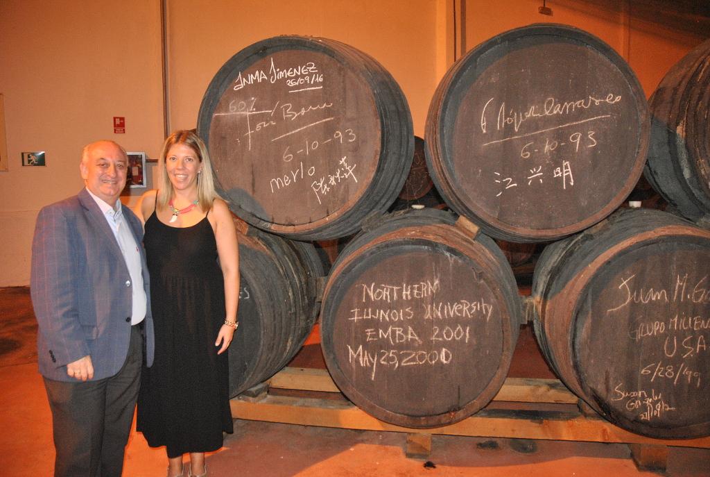 La alcaldesa de Tomelloso visita Allozo Bodegas Centro Españolas
