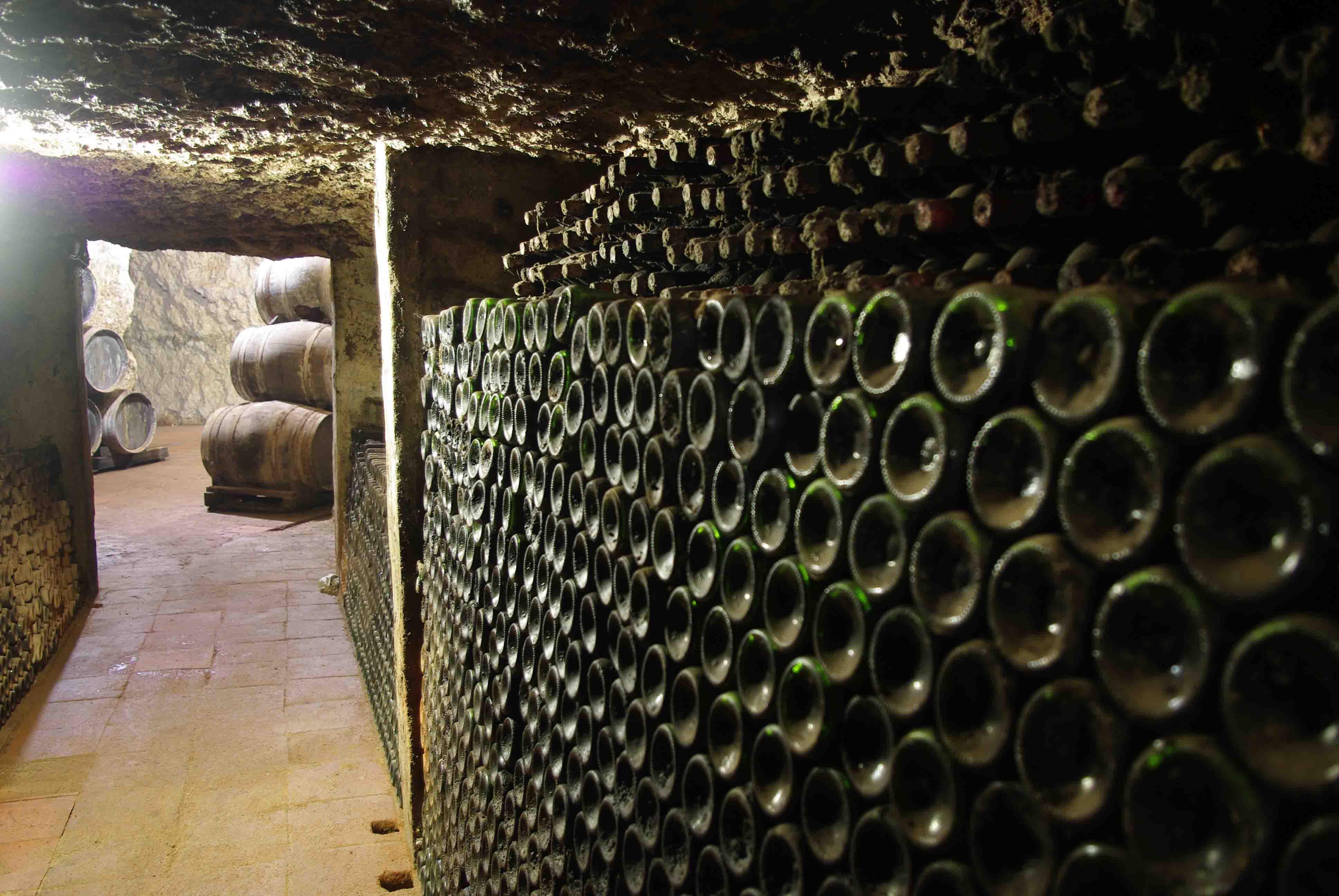 Las cuevas de las primeras bodegas y la radio, en el XII Ciclo de 'Valdepeñas y su Historia'