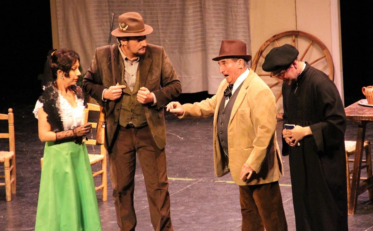 El grupo teatral de la ACAZ estrenó 'La casa de Quirós', un clásico de Arniches
