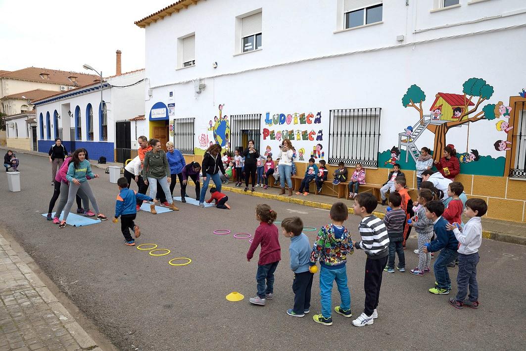 """El Centro Infanto-Juvenil de Argamasilla de Alba organizó la XIII Carrera """"Kilómetros de solidaridad"""""""