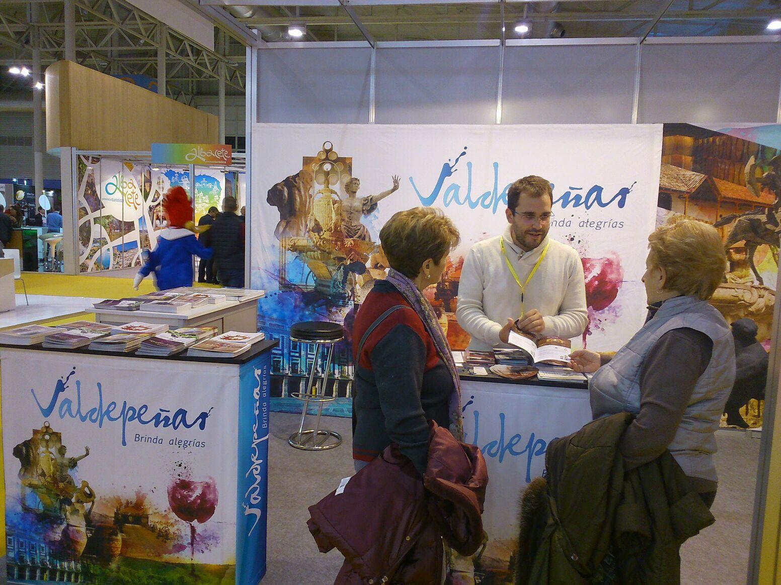 Valdepeñas se promocionó en la XX Feria Internacional de Turismo Interior (INTUR)