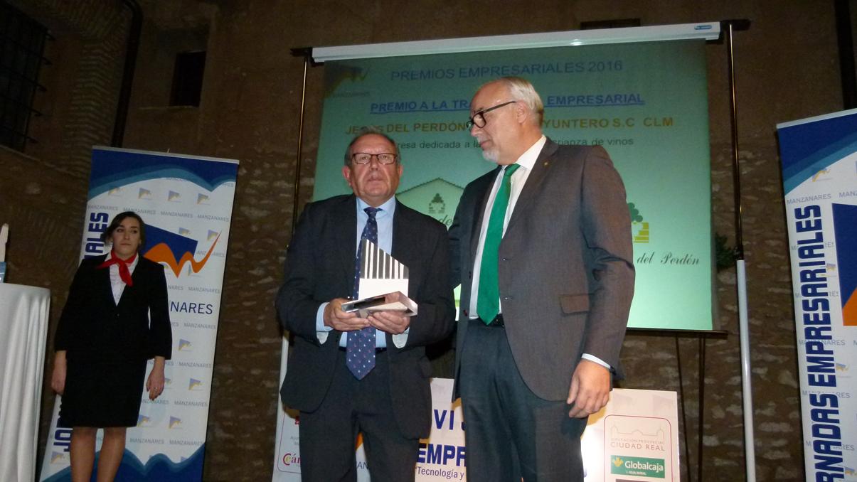 Bodegas Yuntero y Enopassión, premios a la trayectoria y a la innovación empresarial