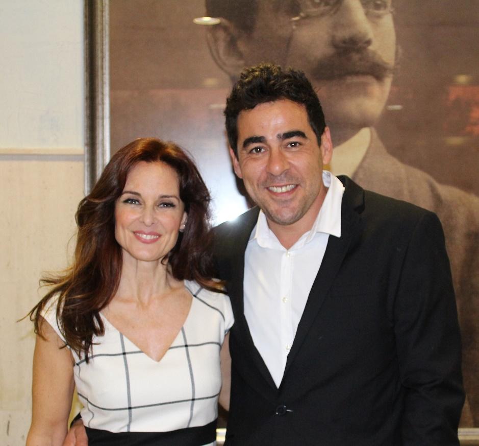 Silvia Marsó y Pablo Chiapella llenan el Tomás Barrera con 'La puerta de al lado'