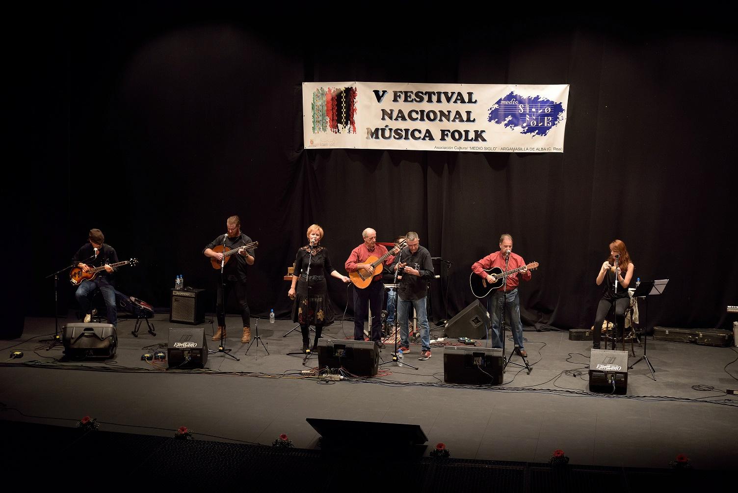 Reencuentro con las raíces musicales en el V Festival Folk de Argamasilla de Alba