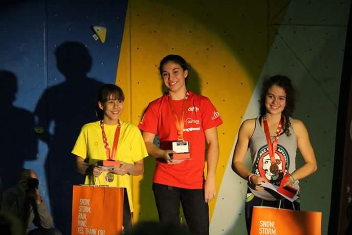 La escaladora Ana Belén Argudo consigue dos medallas de oro en el Campeonato de Madrid de escalada de dificultad 2016