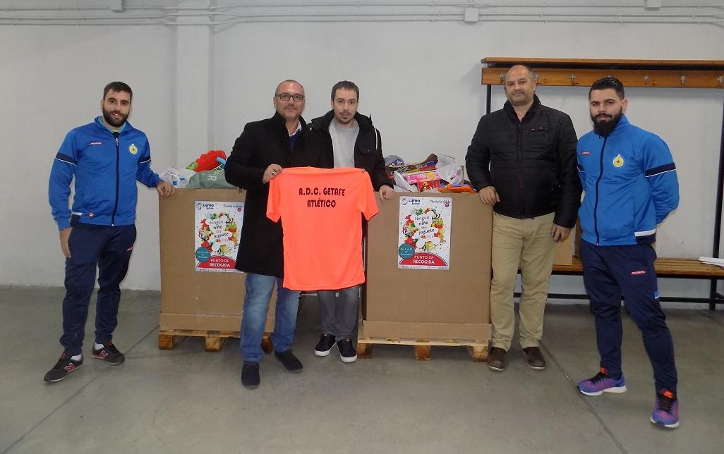 Gran éxito en la II Recogida de Juguetes por parte del ADC Getafe Atlético