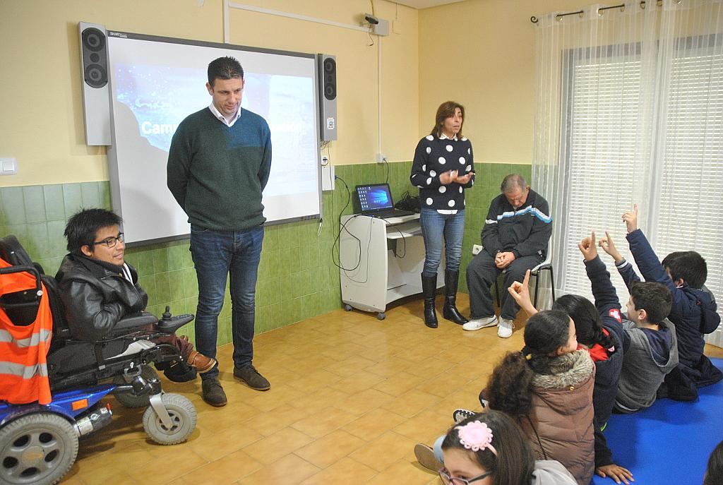 Los alumnos de primaria de Tomelloso visitan el centro ocupacional Reina Sofía