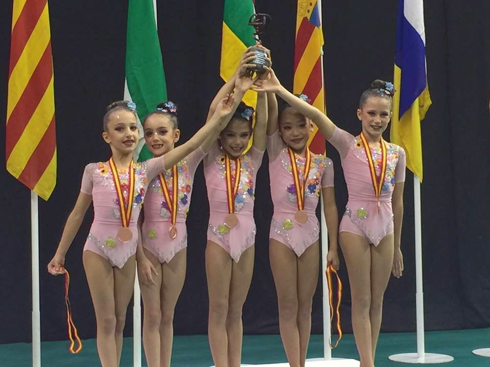 El Club de gimnasia 'Villa de Getafe' consigue la medalla de bronce en el Campeonato de España absoluto de conjuntos de Gimnasia Rítmica