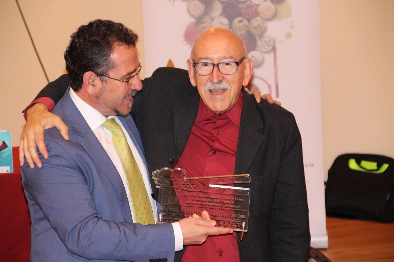 Juan Antonio Quintana apadrina la apertura oficial del Festival de Cine y Vino de La Solana