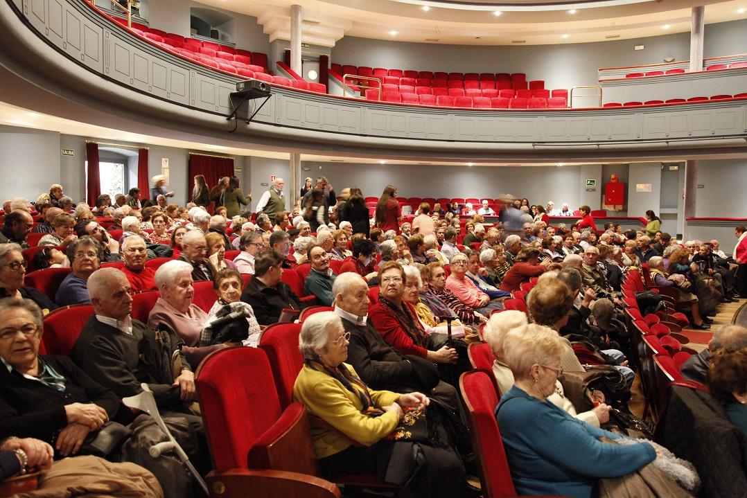 Más de 400 personas acudieron al festival que el ayuntamiento de Getafe preparó para los más mayores del municipio