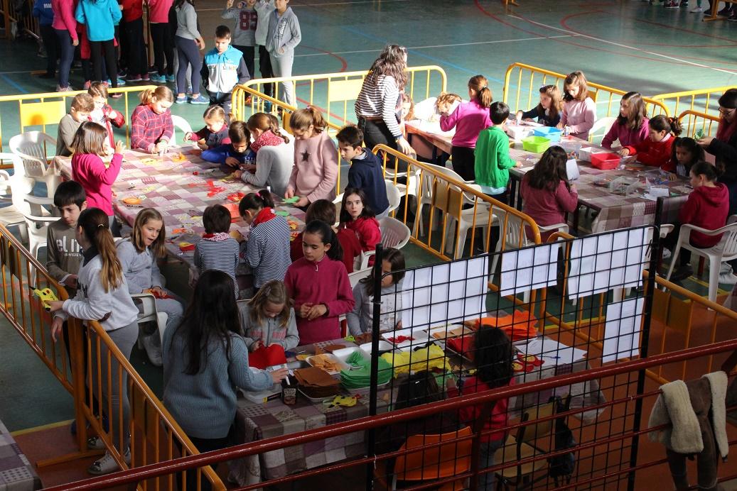 Los niños acuden en masa a la inauguración de Infantilanda en La Solana
