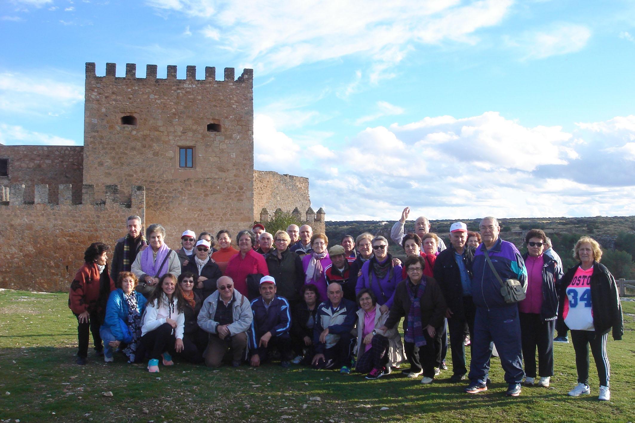 El programa 'Mayores en Marcha' visitó el Castillo de Peñarroya