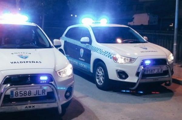 La Policía Local detiene a cuatro individuos cuando se disponían a robar un camión en el Polígono del Vino de Valdepeñas