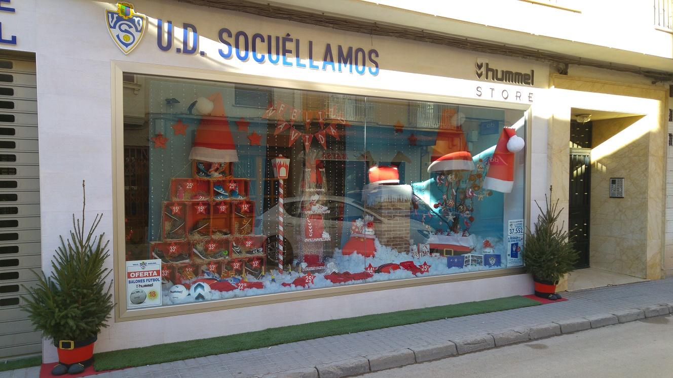 La tienda oficial de la UD Socuéllamos vence en el concurso local de escaparates de Navidad