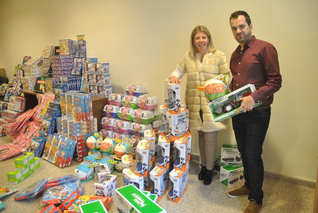 El Ayuntamiento de Tomelloso colabora en la campaña de juguetes de Cáritas y Cruz Roja
