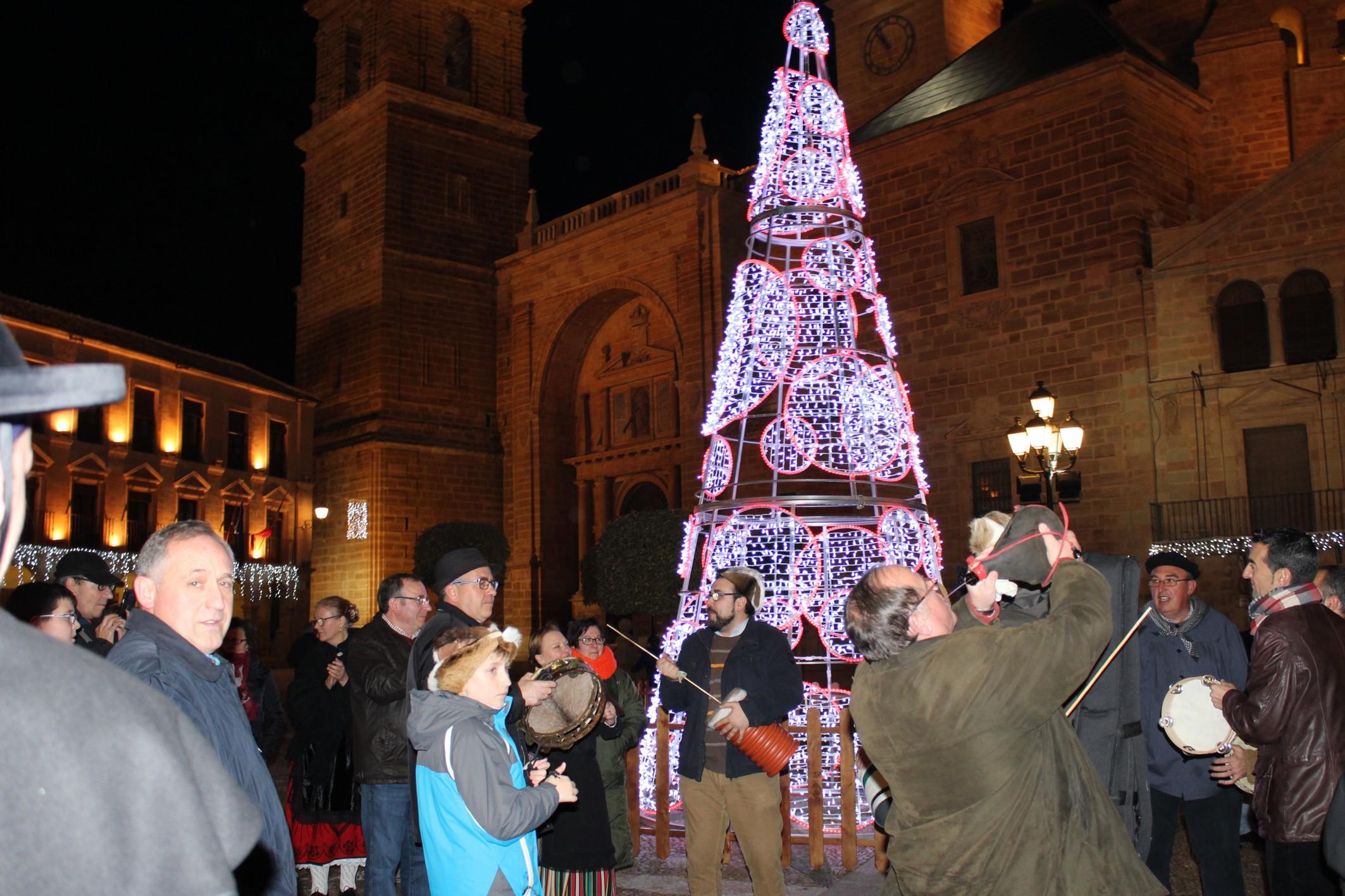 La asociaci n cruz de santiago felicita la navidad con for Concierto hoy en santiago