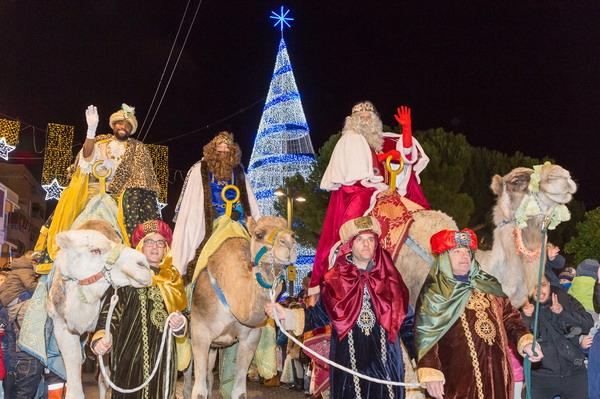 Los Reyes Magos llegarán en helicóptero al Coliseum este jueves antes de la Gran Cabalgata