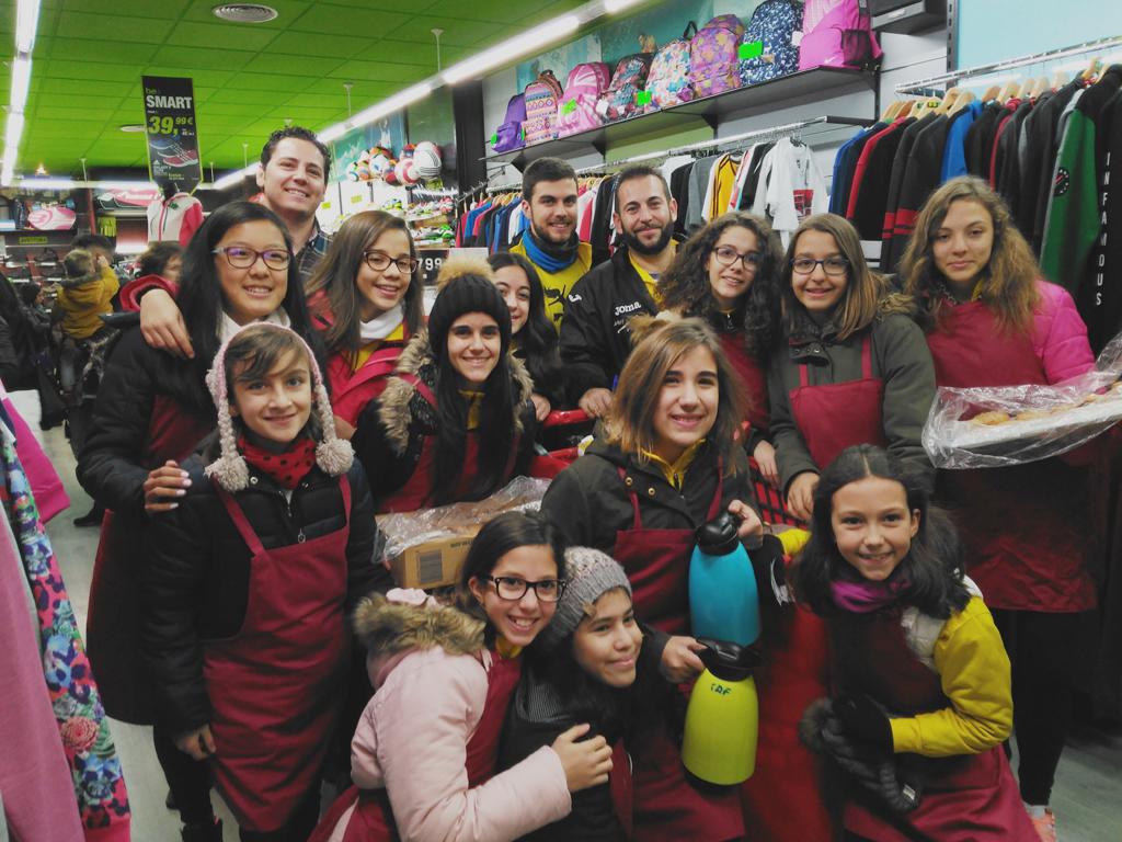 """Rodrigo anima a comprar en el comercio de Tomelloso, en la segunda jornada de """"Christmas Days"""""""