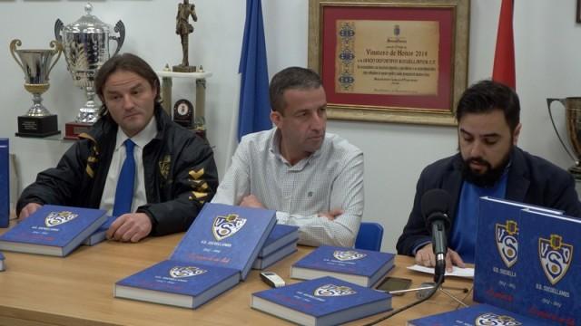 Éxito de ventas del libro sobre los 90 años de la Unión Deportiva Socuéllamos
