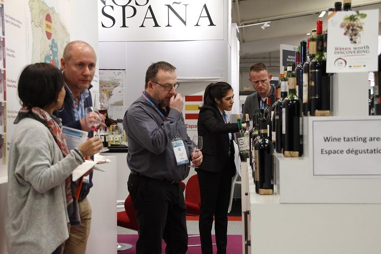Los vinos DO La Mancha entusiasman en VINISUD