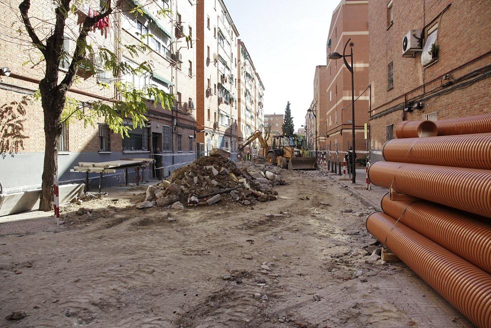 A pleno rendimiento las obras del Plan Margaritas para rehabilitar uno de los barrios más antiguos de Getafe