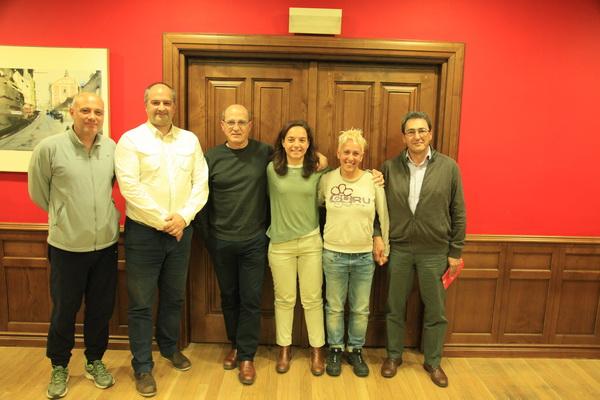 La alcaldesa de Getafe y el concejal de Deportes recibieron a la atleta getafense Nuria Prieto