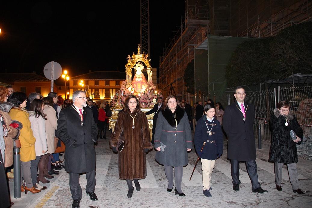Devoción en los cultos de despedida de la patrona Virgen de Peñarroya a su castillo