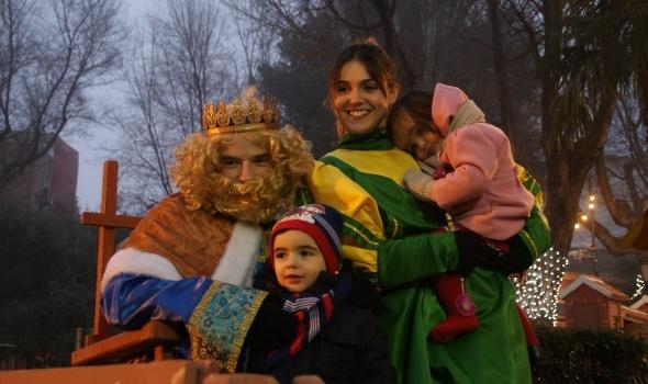 Los Reyes Magos visitan el Belén viviente de Daimiel
