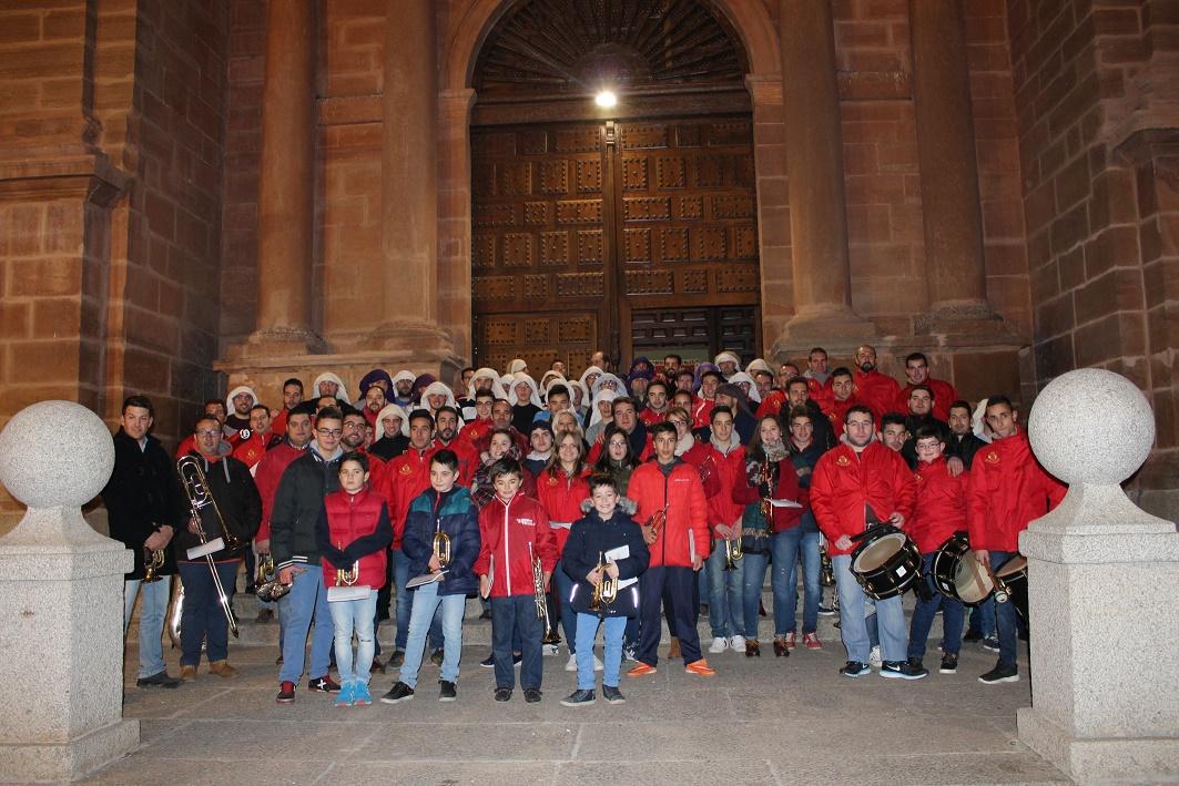 Lluvia de solidaridad para el Banco de Alimentos del Ayuntamiento de Villanueva de los Infantes a los sones de Semana Santa