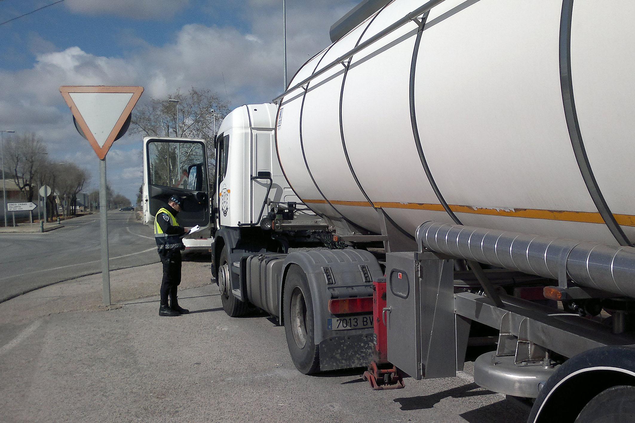 La Policía Local de Argamasilla de Alba participará en la campaña nacional de vigilancia y control de camiones y furgonetas