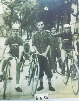 Casimiro Rubio (centro) en 1950