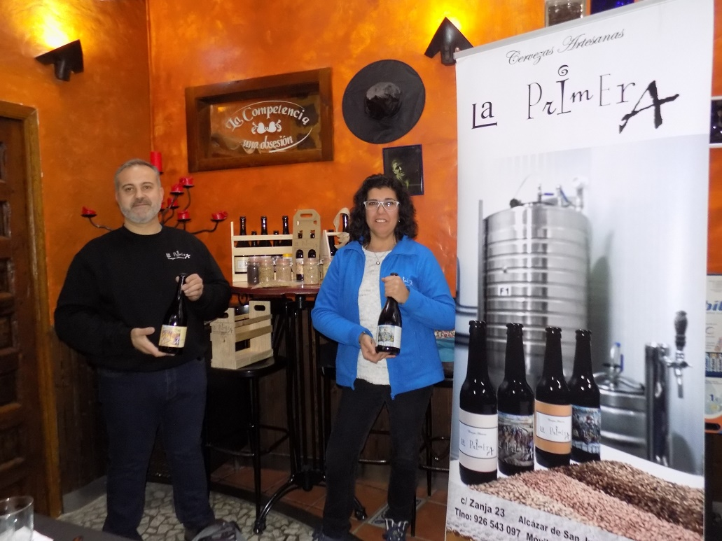 Cervezas artesanas La Primera sigue con su exitoso programa de catas en Alcázar