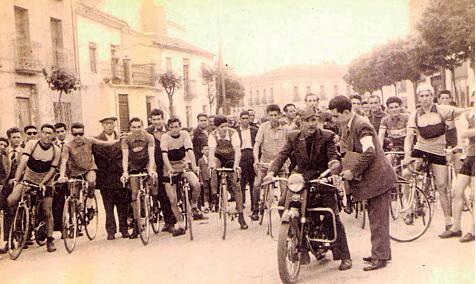 Ciclos Rubio, salida desde la tienda de una carrera