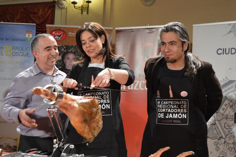 La Alcaldesa de Ciudad Real inaugura el II Concurso Nacional de Cortadores de Jamón