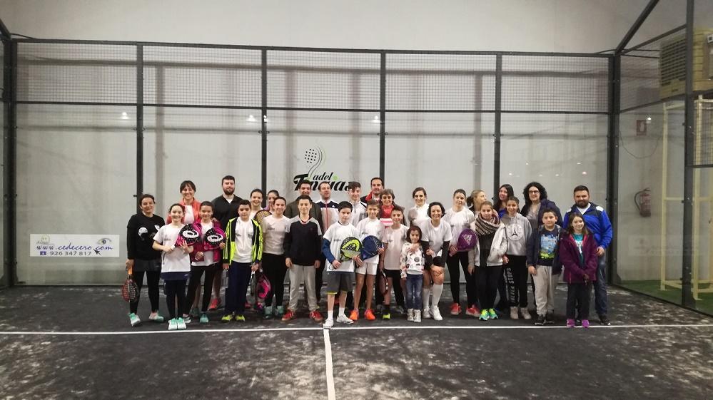 Torneo benéfico a favor de Pueblos Sin Fronteras en Pádel Tinajas