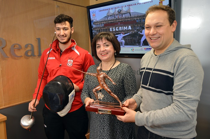 El Pabellón Juan Carlos I acoge este fin de semana el Campeonato Regional por equipos de Esgrima