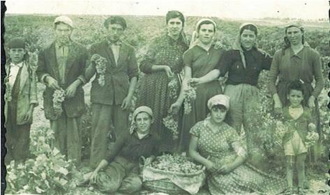 Remedios Alarcón y familia en 1955
